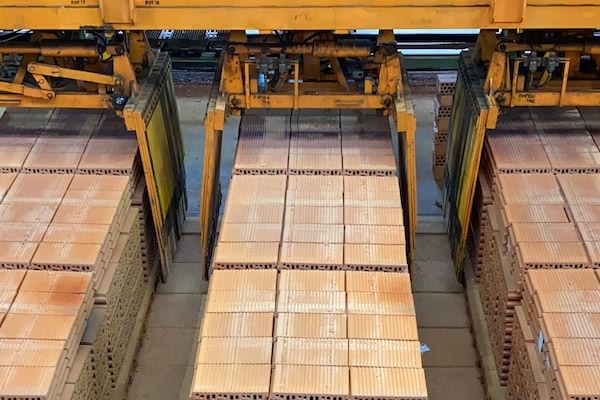 Ceramica campo proceso productivo robot